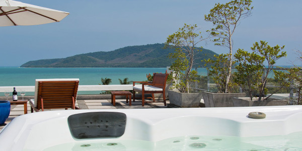 bon apartment rooftop sundeck sea views jacuzzi rawai phuket