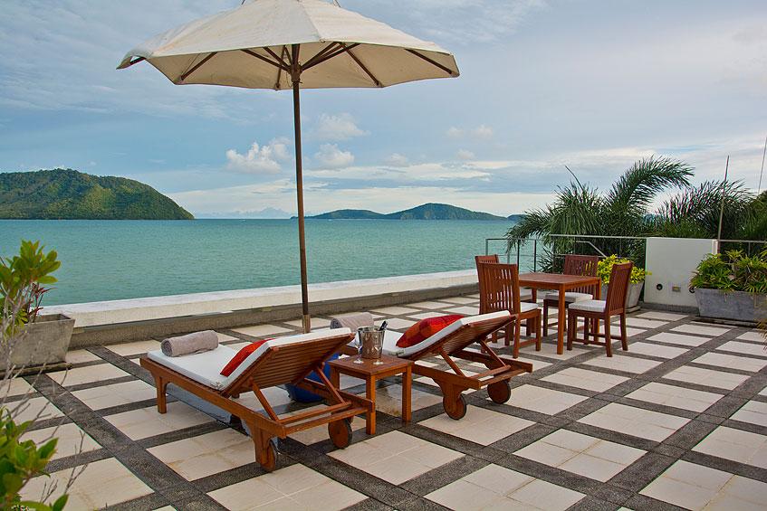 Halcyon raya beach loft top patio 2 phuket holiday villa for Outdoor furniture phuket